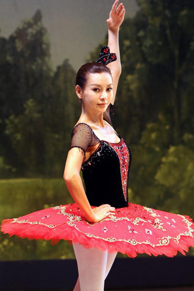 Rần rần con gái của mỹ nhân Huyền thoại biển xanh: Nhan sắc lạ, người mẫu thành diễn viên, giờ con gia nhập cả YG - Ảnh 3.