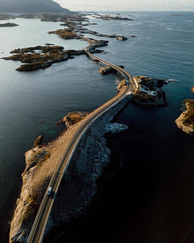 """Chiêm ngưỡng cung đường vượt biển """"huyền thoại"""" đẹp nhất hành tinh ở Na Uy, ước mơ trong đời của biết bao phượt thủ thế giới - Ảnh 7."""