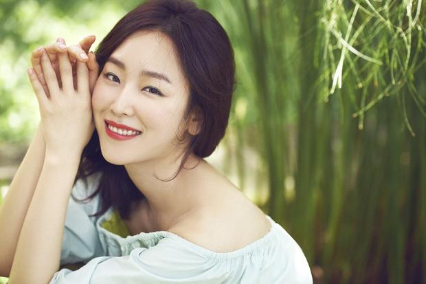 5 huyền thoại nhan sắc của ông lớn SM: Yoona, Irene còn phải e dè vì Sulli, nhưng 2 diễn viên đứng đầu mới là đỉnh cao - Ảnh 10.