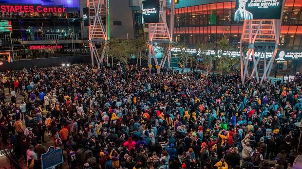 Công bố chính thức về lễ tưởng niệm huyền thoại Kobe Bryant sau vụ tai nạn chấn động: Rùng mình ý nghĩa ngày tổ chức lễ - Ảnh 3.