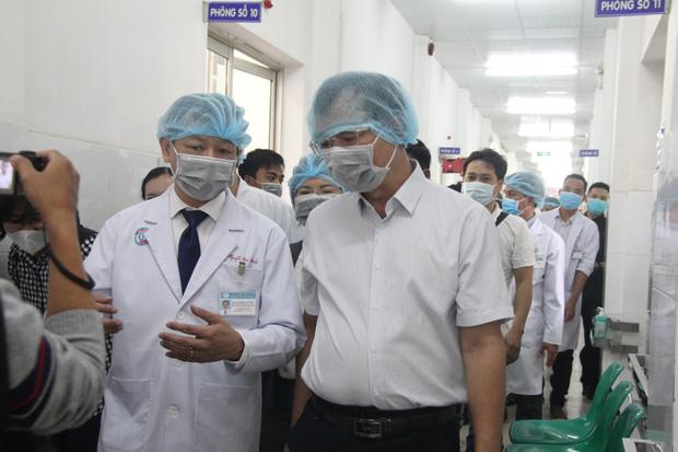 TP.HCM: Danh sách 47 bệnh viện sẵn sàng tiếp nhận, điều trị cho bệnh nhân nghi nhiễm virus Corona - Ảnh 1.
