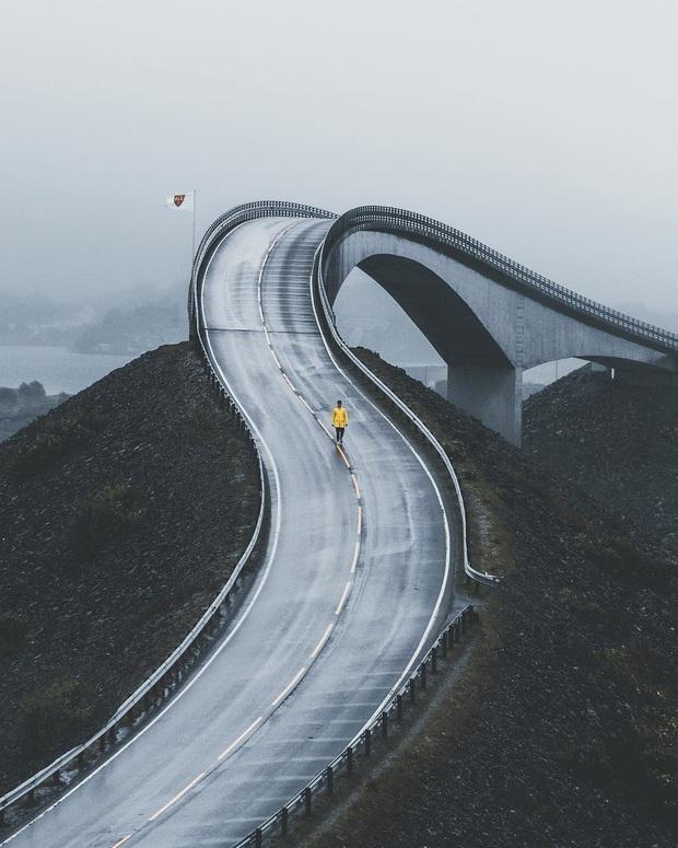 """Chiêm ngưỡng cung đường vượt biển """"huyền thoại"""" đẹp nhất hành tinh ở Na Uy, ước mơ trong đời của biết bao phượt thủ thế giới - Ảnh 2."""