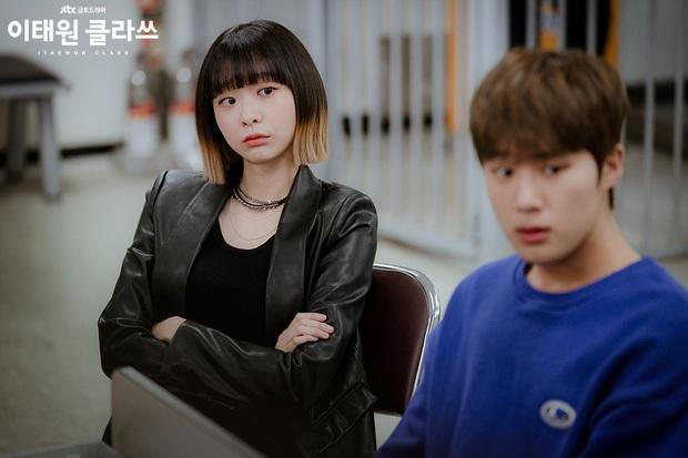 Nữ chính độc đủ đường của Park Seo Joon ở Tầng Lớp Itaewon: Bùng nổ độ điên với IQ 162, mở miệng là đòi trái đất bay màu - Ảnh 5.