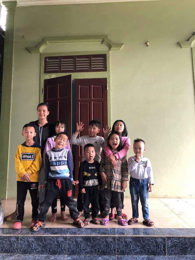 """Gia đình có 7 chị em gái lại hết 5 cô đẻ cùng một năm, bố mẹ cứ đùa """"nhà nhiều con gái nên dân số gia đình cứ ngày một tăng"""" - Ảnh 14."""