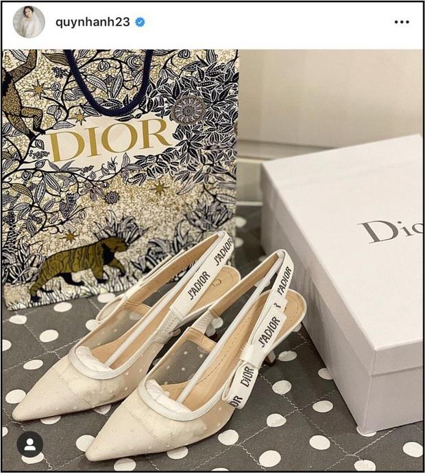 Duy Mạnh - Quỳnh Anh háo hức khoe chuẩn bị đồ cưới trước ngày trọng đại, sơ sơ đã thấy toàn thương hiệu thuộc nhà mốt đắt tiền - Ảnh 2.