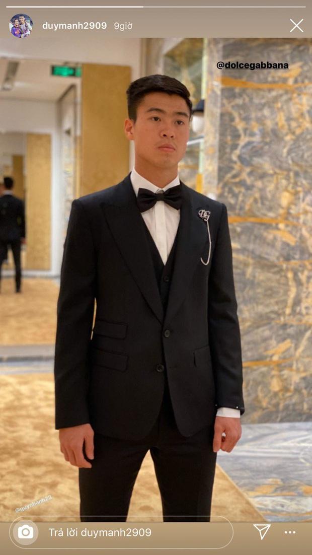 Duy Mạnh - Quỳnh Anh háo hức khoe chuẩn bị đồ cưới trước ngày trọng đại, sơ sơ đã thấy toàn thương hiệu thuộc nhà mốt đắt tiền - Ảnh 1.