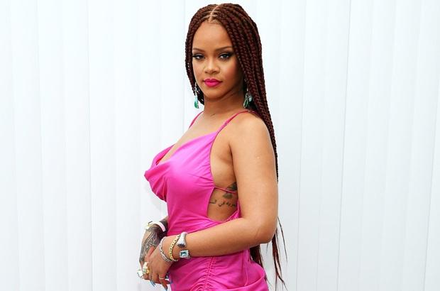 Fan thiết tha hỏi về album mới, Rihanna cũng tha thiết trả lời xong khiến hàng triệu người tuột mood không phanh - Ảnh 1.