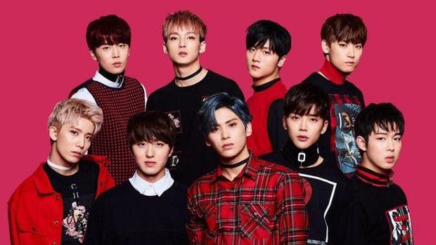 BXH top 30 nhóm nhạc nam hot nhất hiện nay: vị trí của 2 ông hoàng Kpop BTS và EXO không gây bất ngờ bằng Super Junior - Ảnh 4.