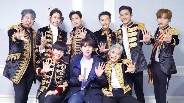 BXH top 30 nhóm nhạc nam hot nhất hiện nay: vị trí của 2 ông hoàng Kpop BTS và EXO không gây bất ngờ bằng Super Junior - Ảnh 3.