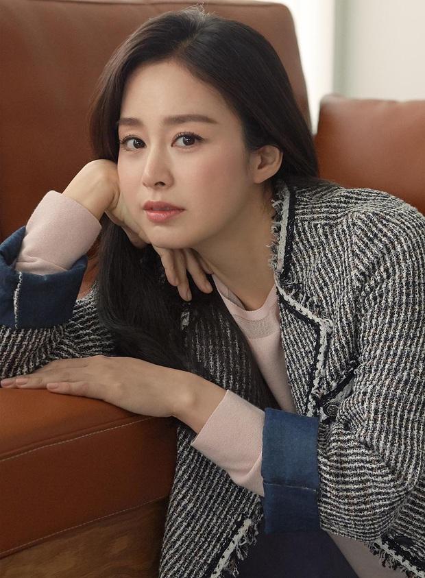 Trầm trồ 6 cặp anh chị em quyền lực nhất Kbiz: Gen quá trội, chị em Dara, Jessica, mỹ nhân TWICE chưa đỉnh bằng Kim Tae Hee - Ảnh 18.