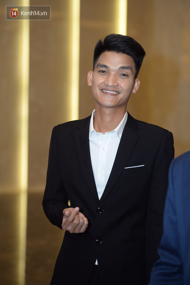 Dàn khách mời ở đám cưới Quỳnh Anh - Duy Mạnh: Toàn gương mặt trai xinh gái đẹp, dress code trắng đen nguyên team - Ảnh 7.