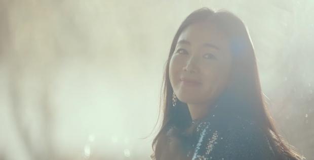 Em trai Bắc Hàn của Son Ye Jin cosplay hẳn idol đời đầu để gặp chị đẹp Choi Ji Woo ở Crash Landing On You tập 13 - Ảnh 4.