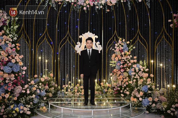 Dàn khách mời ở đám cưới Quỳnh Anh - Duy Mạnh: Toàn gương mặt trai xinh gái đẹp, dresscode trắng đen nguyên team - Ảnh 2.