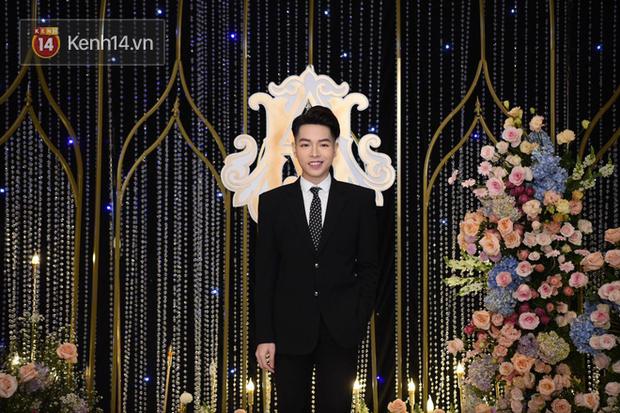 Dàn khách mời ở đám cưới Quỳnh Anh - Duy Mạnh: Toàn gương mặt trai xinh gái đẹp, dress code trắng đen nguyên team - Ảnh 1.