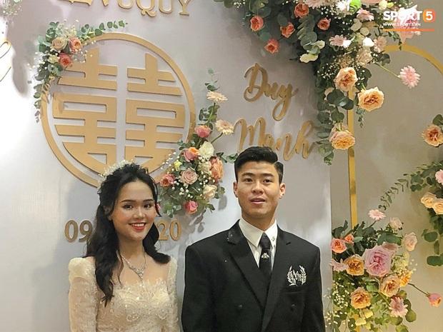Sau pha makeup lỗi trong đám hỏi, lần này cô dâu Quỳnh Anh đã lấy lại phong độ, họa mặt xinh tươi chuẩn công chúa rồi! - Ảnh 4.