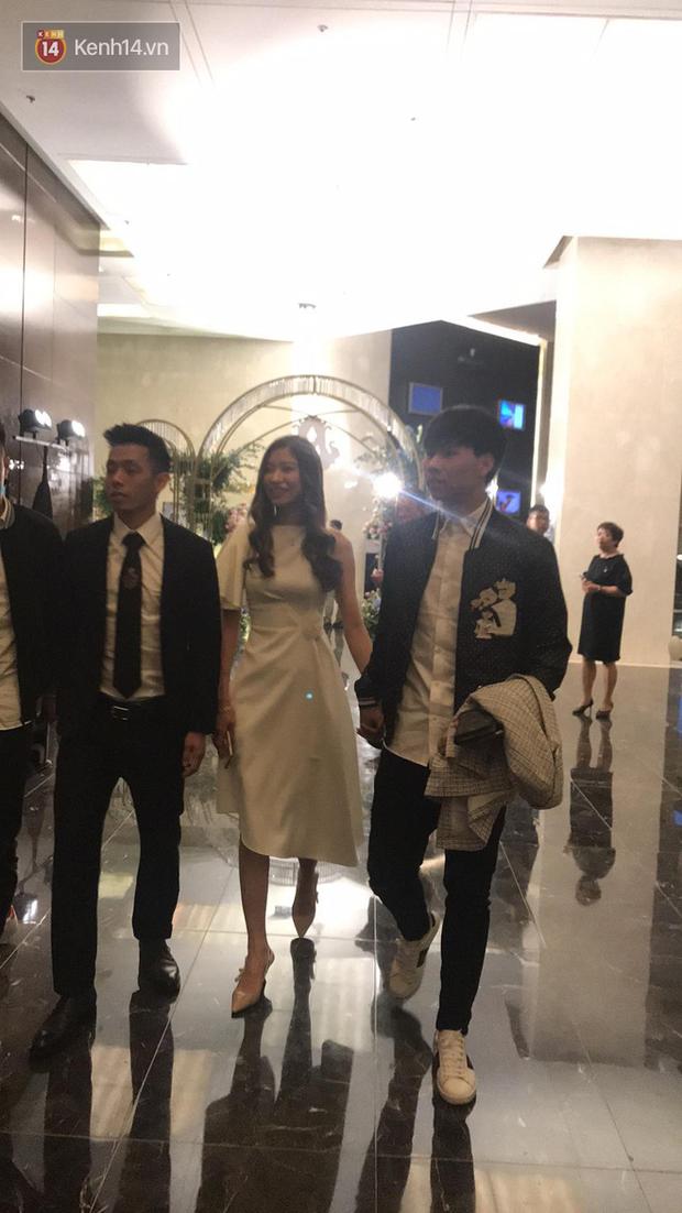 Dàn khách mời ở đám cưới Quỳnh Anh - Duy Mạnh: Toàn gương mặt trai xinh gái đẹp, dresscode trắng đen nguyên team - Ảnh 9.