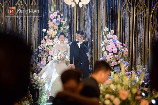 Loạt khoảnh khắc đẹp nức nở trong đám cưới Quỳnh Anh - Duy Mạnh: Cổ tích của công chúa và hoàng tử thật rồi! - Ảnh 6.