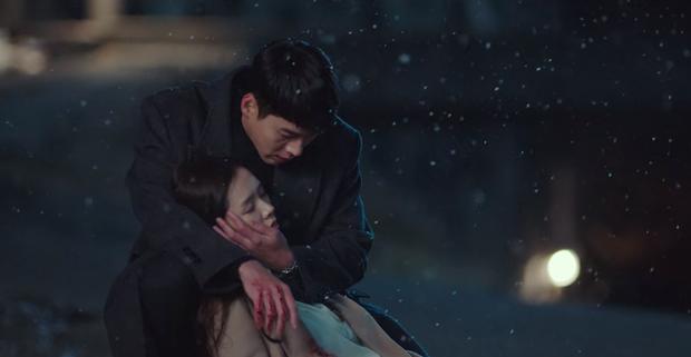 Quá trầm uất vì Son Ye Jin bị bắn ở Crash Landing On You, khán giả rủ nhau xem Tầng Lớp Itaewon để xả stress - Ảnh 4.