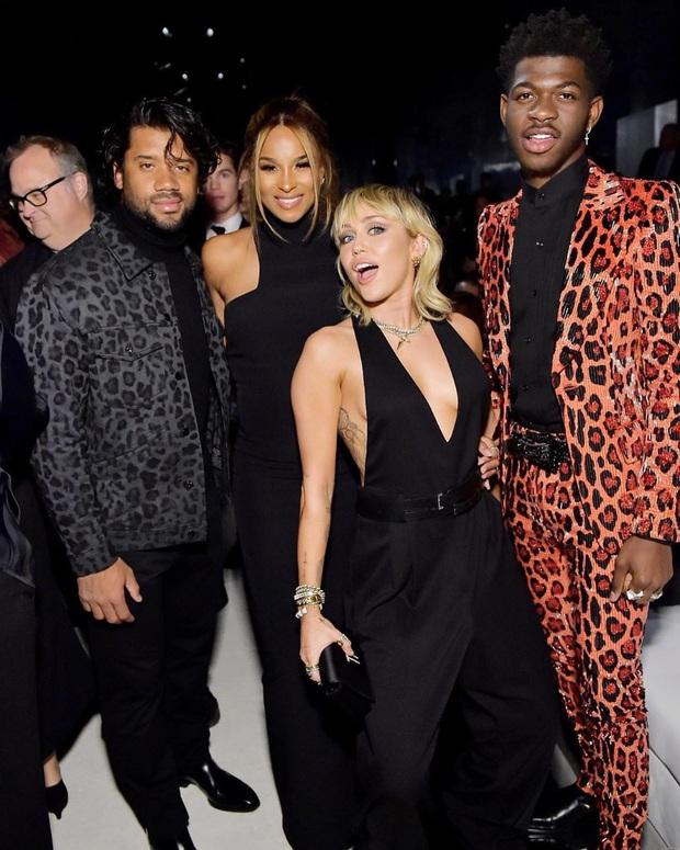 Dàn sao khủng đổ bộ tiệc tiền Oscar: Miley - Brooklyn bỗng đụng độ tình cũ, Tiffany, CL và dàn sao Ký Sinh Trùng gây sốt - Ảnh 3.
