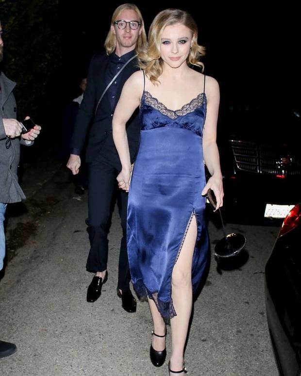 Dàn sao khủng đổ bộ tiệc tiền Oscar: Miley - Brooklyn bỗng đụng độ tình cũ, Tiffany, CL và dàn sao Ký Sinh Trùng gây sốt - Ảnh 13.