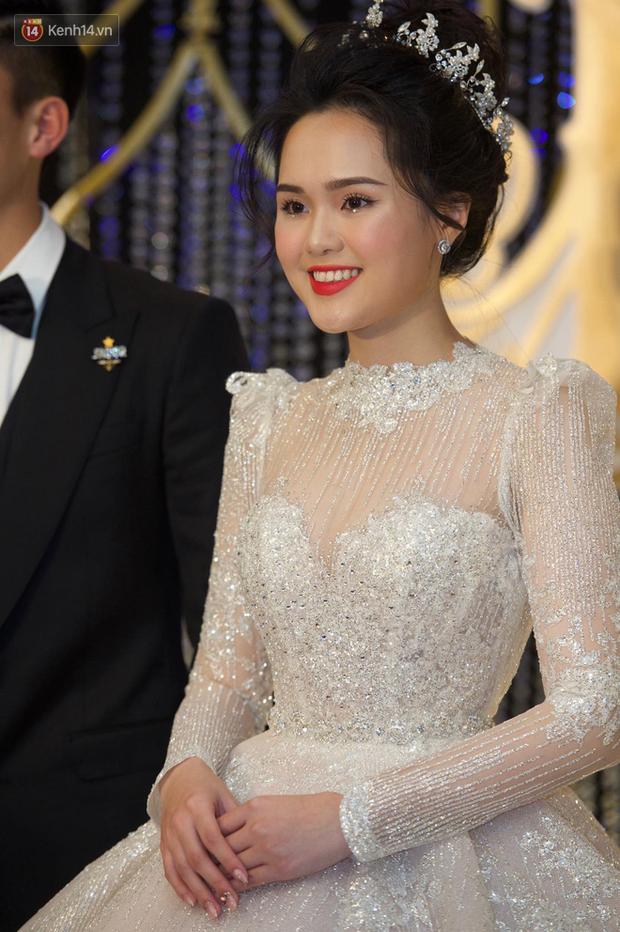 Duy Mạnh - Quỳnh Anh bật khóc trong đám cưới, bố cô dâu xúc động nhắn nhủ: Dẫu gian nan mong 2 con vẫn bên nhau - Ảnh 20.
