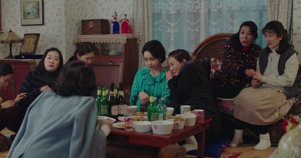 Crash Landing on You tập 14: Hyun Bin cao hứng cởi áo khoe hàng, chị đẹp Son Ye Jin chỉ biết thốt lên cái này to thế - Ảnh 11.