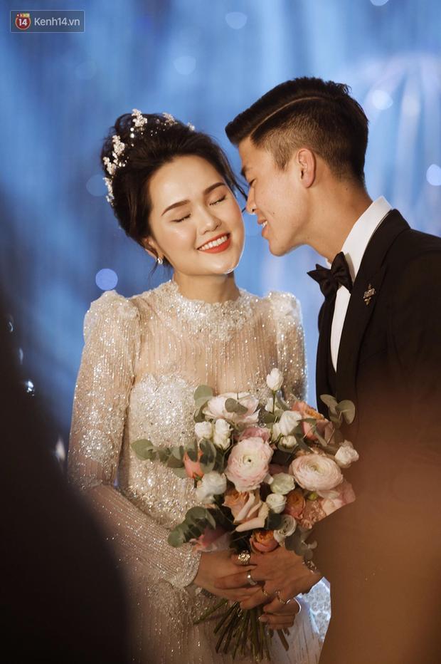 Loạt khoảnh khắc đẹp nức nở trong đám cưới Quỳnh Anh - Duy Mạnh: Cổ tích của công chúa và hoàng tử thật rồi! - Ảnh 9.