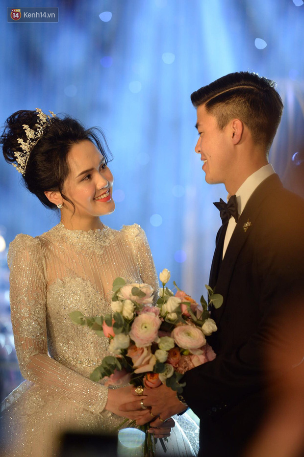Duy Mạnh - Quỳnh Anh bật khóc trong đám cưới, bố cô dâu xúc động nhắn nhủ: Dẫu gian nan mong 2 con vẫn bên nhau - Ảnh 12.