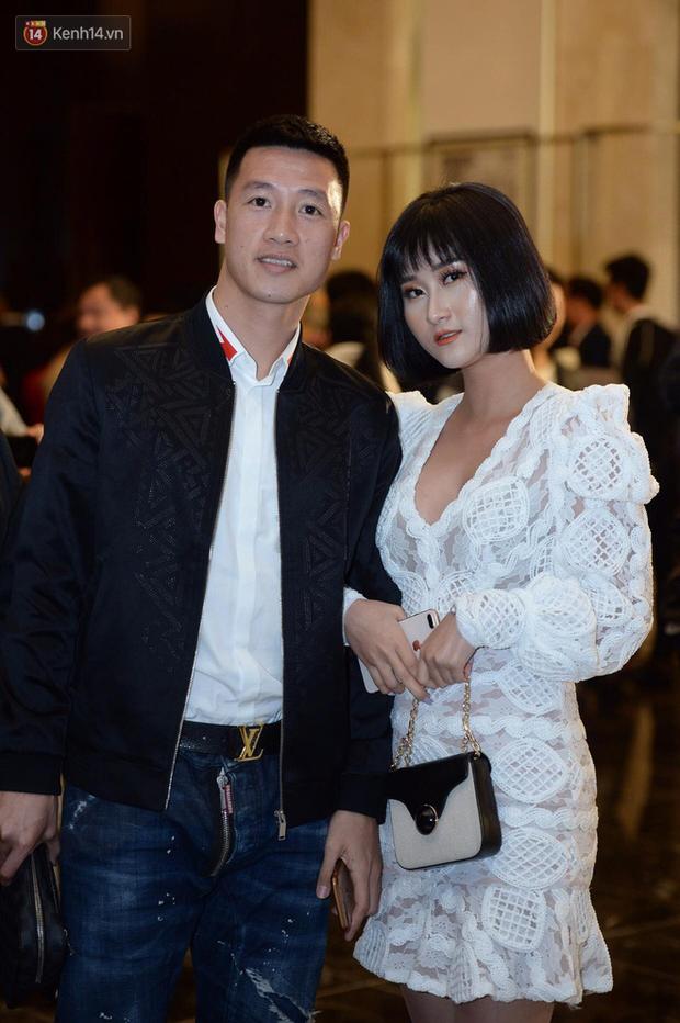 Duy Mạnh - Quỳnh Anh bật khóc trong đám cưới, bố cô dâu xúc động nhắn nhủ: Dẫu gian nan mong 2 con vẫn bên nhau - Ảnh 17.
