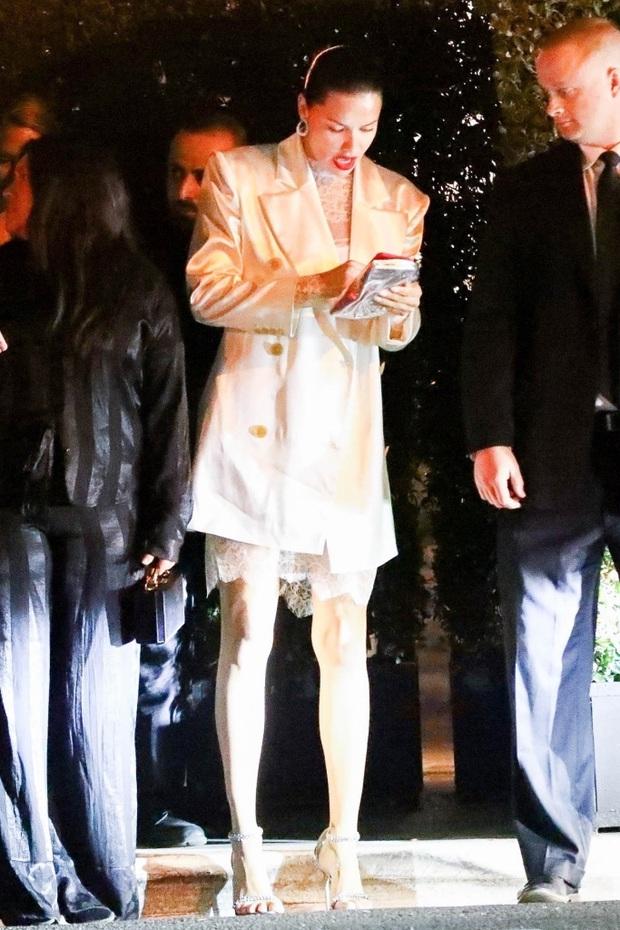 Dàn sao khủng đổ bộ tiệc tiền Oscar: Miley - Brooklyn bỗng đụng độ tình cũ, Tiffany, CL và dàn sao Ký Sinh Trùng gây sốt - Ảnh 10.