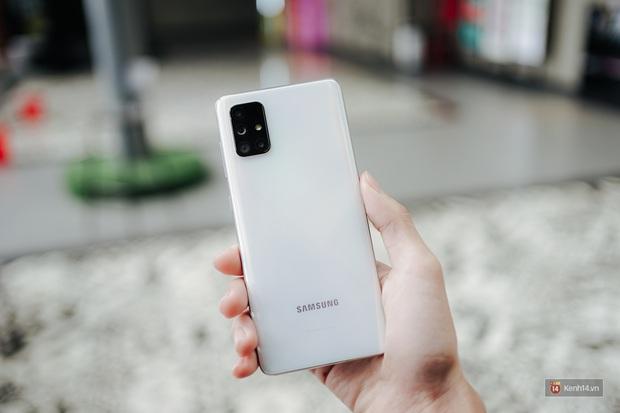 Đánh giá pin Galaxy A71: Dùng tẹt bô cả ngày, sạc siêu nhanh không lo yếu sinh lý - Ảnh 1.