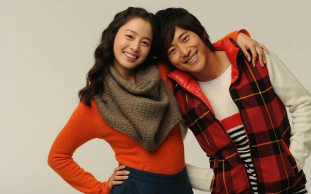 Trầm trồ 6 cặp anh chị em quyền lực nhất Kbiz: Gen quá trội, chị em Dara, Jessica, mỹ nhân TWICE chưa đỉnh bằng Kim Tae Hee - Ảnh 16.