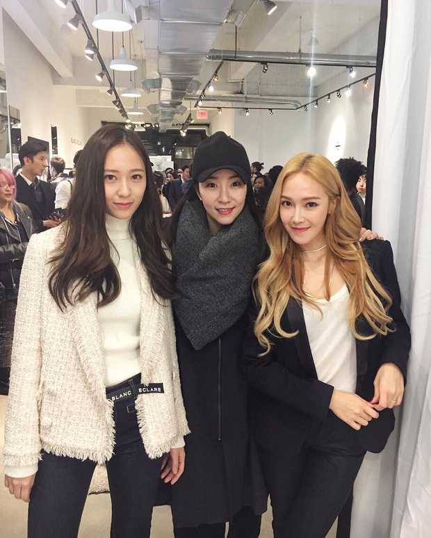 Trầm trồ 6 cặp anh chị em quyền lực nhất Kbiz: Gen quá trội, chị em Dara, Jessica, mỹ nhân TWICE chưa đỉnh bằng Kim Tae Hee - Ảnh 2.