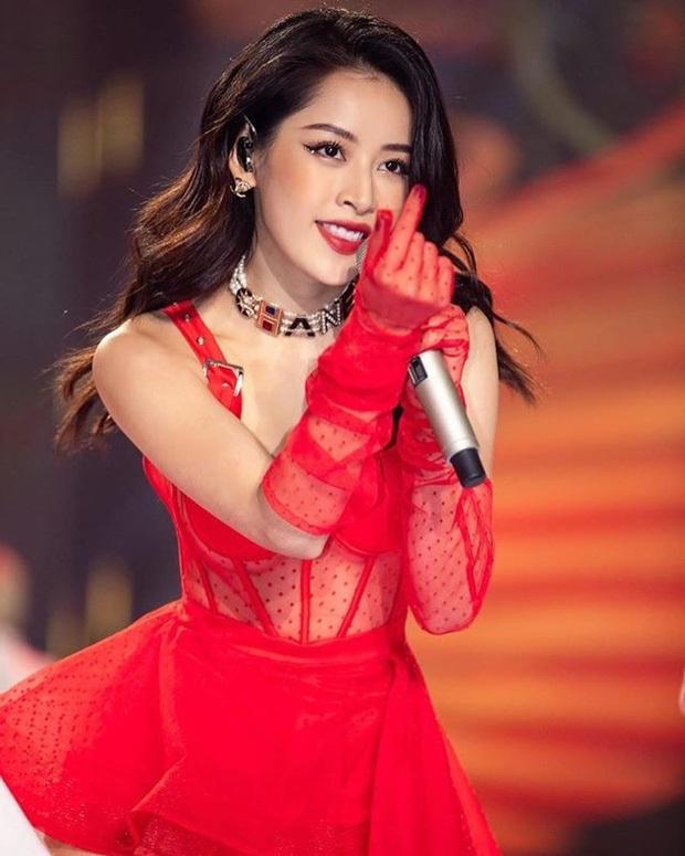 """Là cô dâu đầu tiên chơi lớn đính đá lên mắt, dễ là Quỳnh Anh vừa """"mở bát"""" cho xu hướng makeup cô dâu hot hit nhất 2020 - Ảnh 4."""