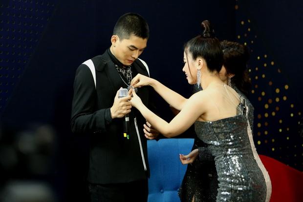 Trời sinh một cặp: Á hậu Kiều Loan vừa hát vừa rap khiến Trịnh Thăng Bình mê mẩn - Ảnh 8.