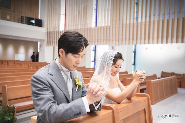 Trầm trồ 6 cặp anh chị em quyền lực nhất Kbiz: Gen quá trội, chị em Dara, Jessica, mỹ nhân TWICE chưa đỉnh bằng Kim Tae Hee - Ảnh 20.