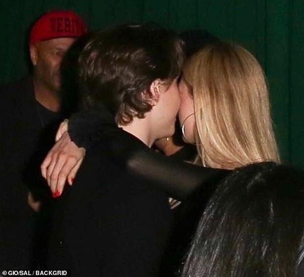 Dàn sao khủng đổ bộ tiệc tiền Oscar: Miley - Brooklyn bỗng đụng độ tình cũ, Tiffany, CL và dàn sao Ký Sinh Trùng gây sốt - Ảnh 12.
