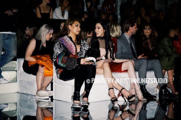 Dàn sao khủng đổ bộ tiệc tiền Oscar: Miley - Brooklyn bỗng đụng độ tình cũ, Tiffany, CL và dàn sao Ký Sinh Trùng gây sốt - Ảnh 7.