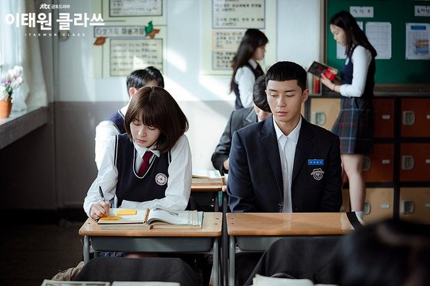 Tình đầu vô liêm sỉ của Park Seo Joon ở Tầng Lớp Itaewon: Ăn cháo đá luôn người nấu, làm việc xấu xong còn giả ngơ? - Ảnh 2.
