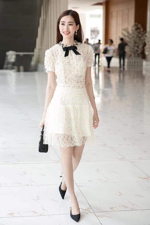Váy cưới lộng lẫy đã đành, đến giày cưới của Quỳnh Anh cũng sang xịn mịn, đụng cả loạt sao Việt - Ảnh 5.