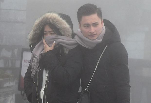 Không khí lạnh tràn về, Bắc Bộ rét đậm rét hại, có nơi xuống 8 độ C - Ảnh 1.