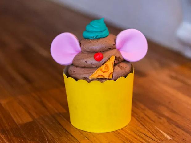 Đắm chìm trong thế giới của Lọ Lem với loạt bánh ngọt được bày bán ở các công viên Disney, nhìn cưng muốn xỉu khiến dân tình cứ ngắm hoài chứ chẳng nỡ ăn - Ảnh 13.