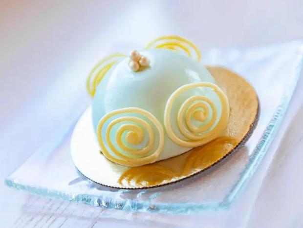 Đắm chìm trong thế giới của Lọ Lem với loạt bánh ngọt được bày bán ở các công viên Disney, nhìn cưng muốn xỉu khiến dân tình cứ ngắm hoài chứ chẳng nỡ ăn - Ảnh 11.