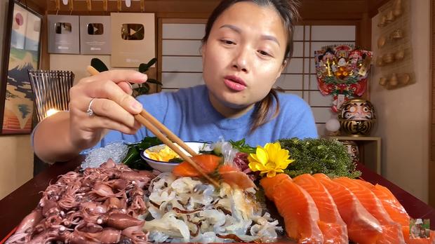 Xem clip giới thiệu các loại rong phổ biến ở Nhật của Quỳnh Trần JP, dân tình lại được mở mang tầm mắt với rong biển màu đỏ cực lạ - Ảnh 13.