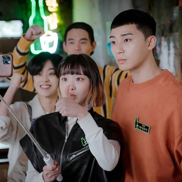 Choáng váng với màn chơi xỏ con trai của chủ tịch Jang, rating tập 10 Tầng Lớp Itaewon tiếp tục tăng nhẹ - Ảnh 4.