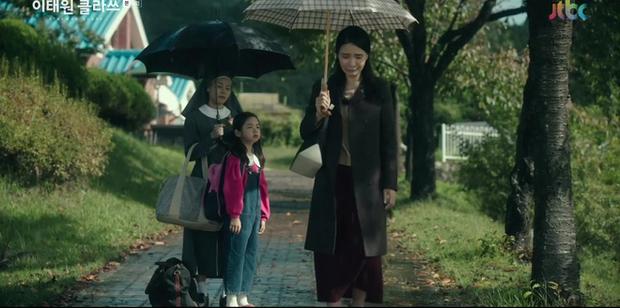 Giải mã nội tâm nữ phụ Tầng Lớp Itaewon: Với món nợ ân tình vẫn còn chưa trả nổi, chừng nào Soo Ah mới dám mở lòng? - Ảnh 3.