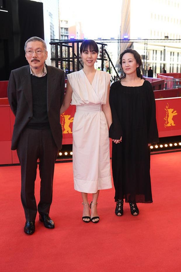 Đạo diễn ngoại tình lắm tài nhiều tật xứ Hàn thắng giải Gấu Bạc danh giá cho phim hợp tác với bồ nhí Kim Min Hee - Ảnh 3.