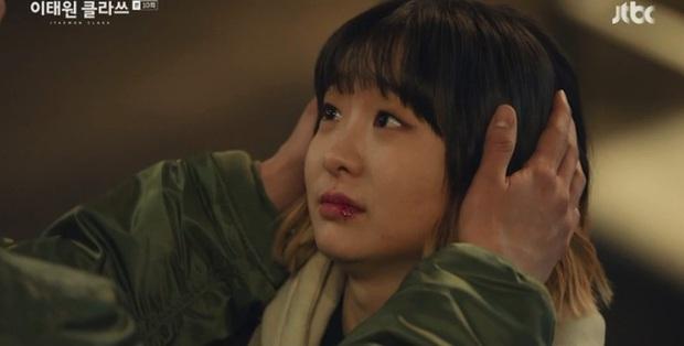 3 khoảnh khắc tình bể bình của Park Seo Joon và điên nữ Tầng Lớp Itaewon: Hết cưỡng hôn lại đến ăn nằm cùng nhau - Ảnh 6.