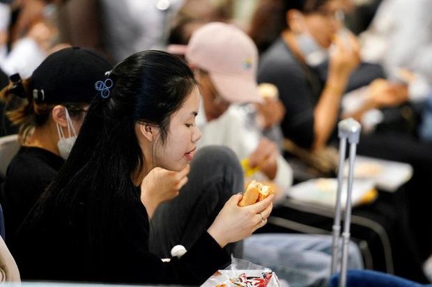 Nội Bài, Tân Sơn Nhất dừng đón chuyến bay từ Hàn Quốc - Ảnh 8.