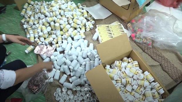 Đề nghị truy tố 2 lãnh đạo công ty dược cầm đầu đường dây làm thuốc giả ở Sài Gòn - Ảnh 1.